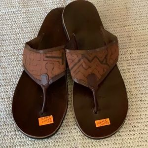 Shoes - NWT...unisex leather flip flops from Peru